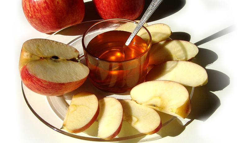 תפוח בדבש (צילום: Maria Clara Moraes)
