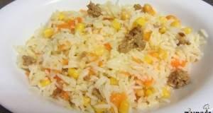 אורז עם גזר, תירס, חומוס וחביתה יפנית