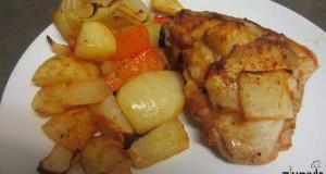 עוף עם תפוחי אדמה ופלפל אדום בתנור