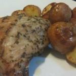 עוף ותפוחי אדמה בתנור בניחוח איטלקי