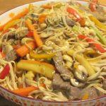 סינטה עם ירקות מוקפץ ברוטב הויסטיר